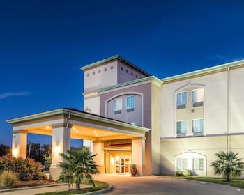 Hotel - Quality Inn & Suites
