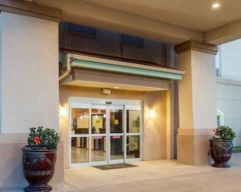 Quality Inn & Suites - Property Image 1
