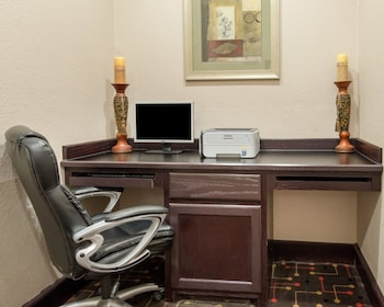 Quality Inn & Suites - Property Image 5