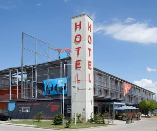 . Hotel Orange Wings Wiener Neustadt