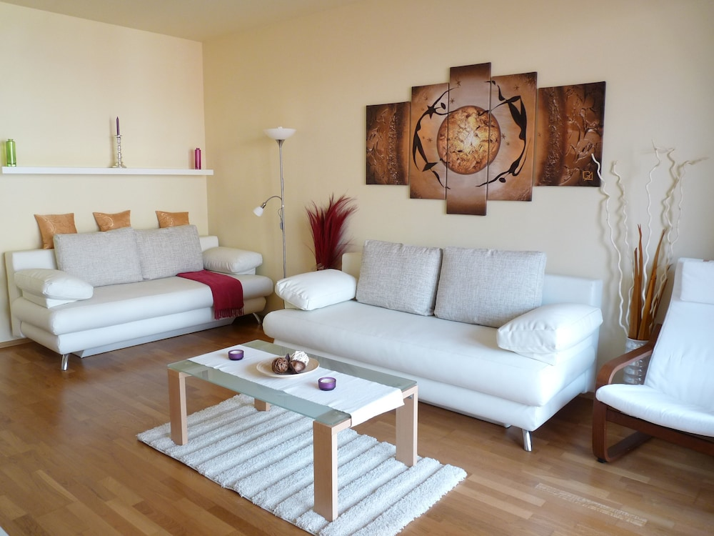 Trendy Deluxe Apartments