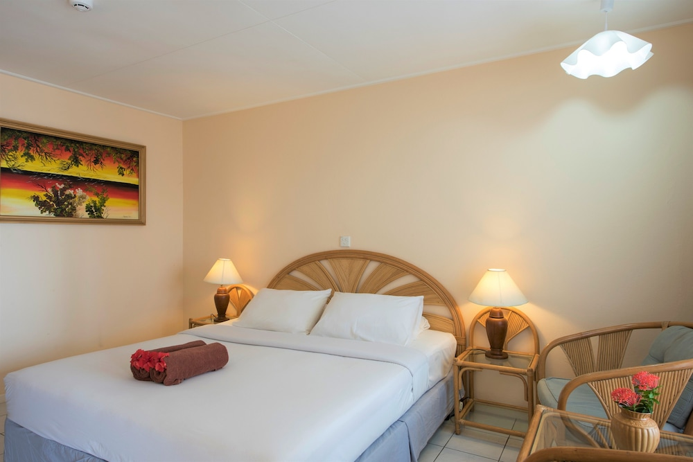할리데이 아일랜드 리조트 앤드 스파(Holiday Island Resort & Spa) Hotel Thumbnail Image 8 - Guestroom