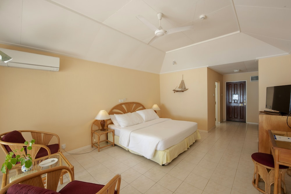 할리데이 아일랜드 리조트 앤드 스파(Holiday Island Resort & Spa) Hotel Thumbnail Image 14 - Guestroom