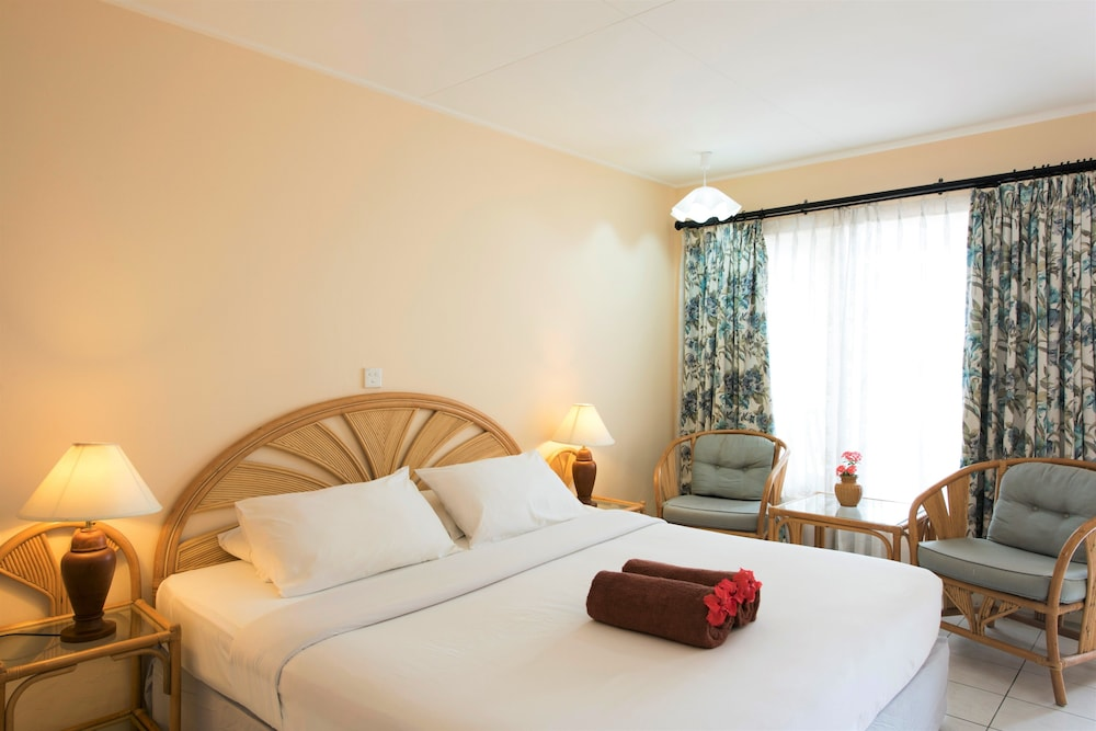 할리데이 아일랜드 리조트 앤드 스파(Holiday Island Resort & Spa) Hotel Thumbnail Image 9 - Guestroom