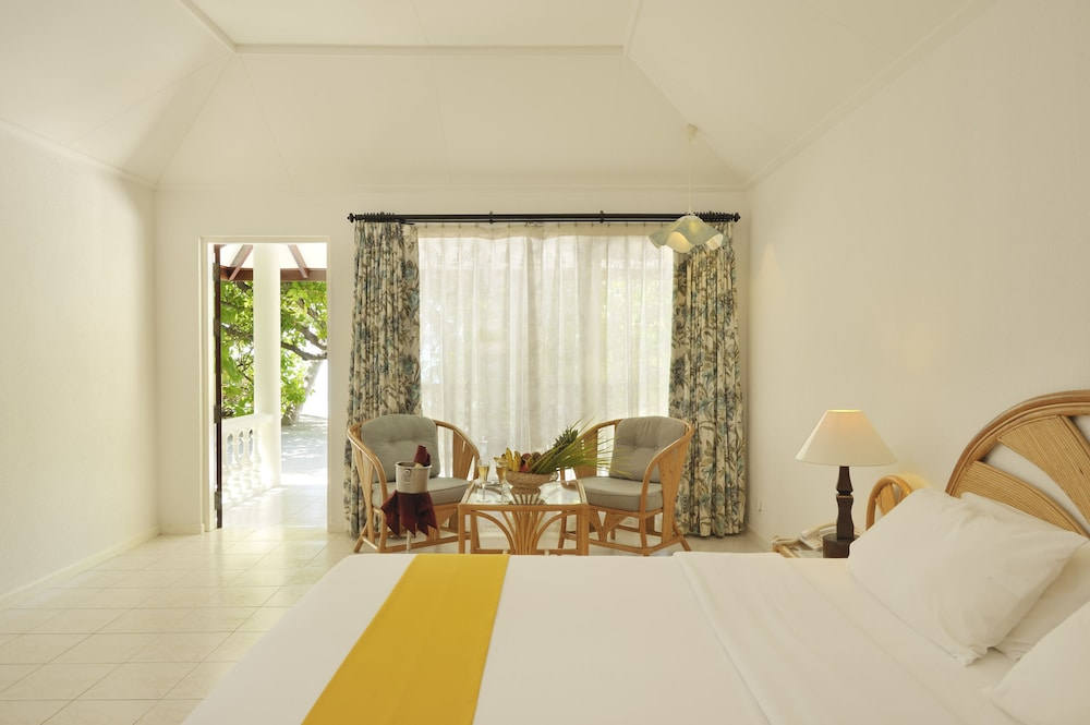 할리데이 아일랜드 리조트 앤드 스파(Holiday Island Resort & Spa) Hotel Thumbnail Image 5 - Guestroom