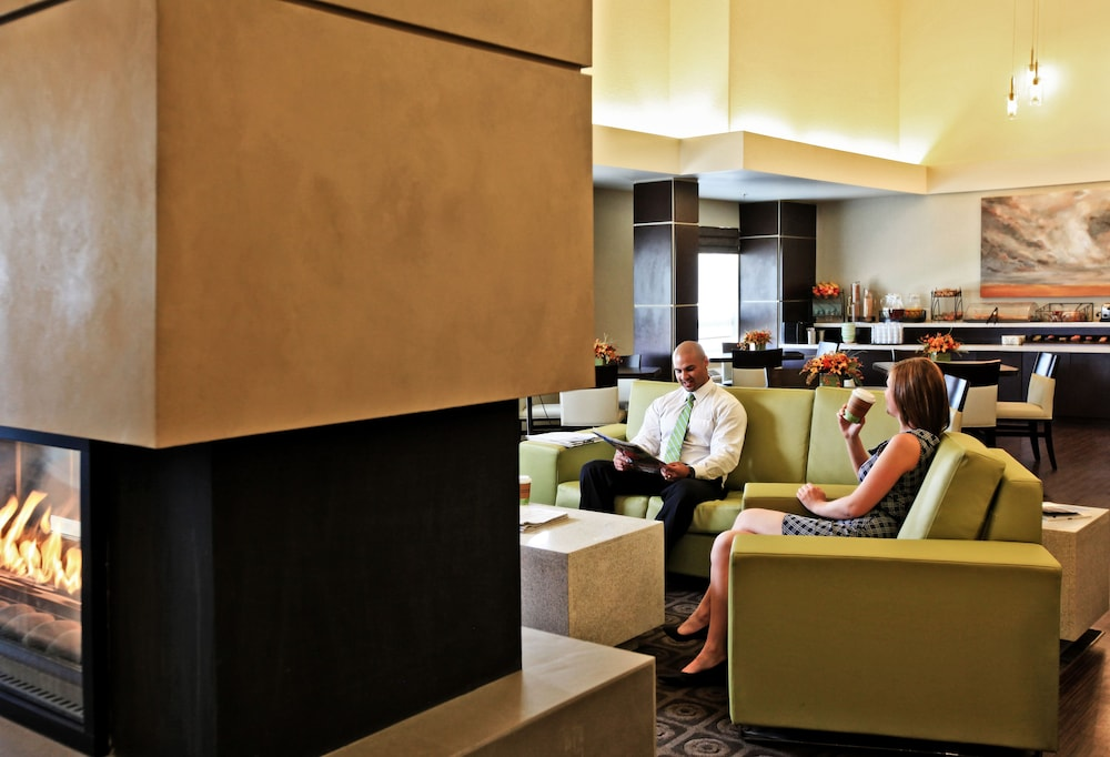 Hotel Interior : Lobby Sitting Area 13 of 35