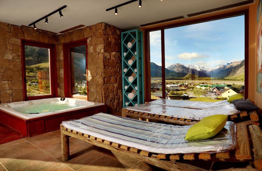 https://i.travelapi.com/hotels/3000000/3000000/2995200/2995124/97bad526_z.jpg