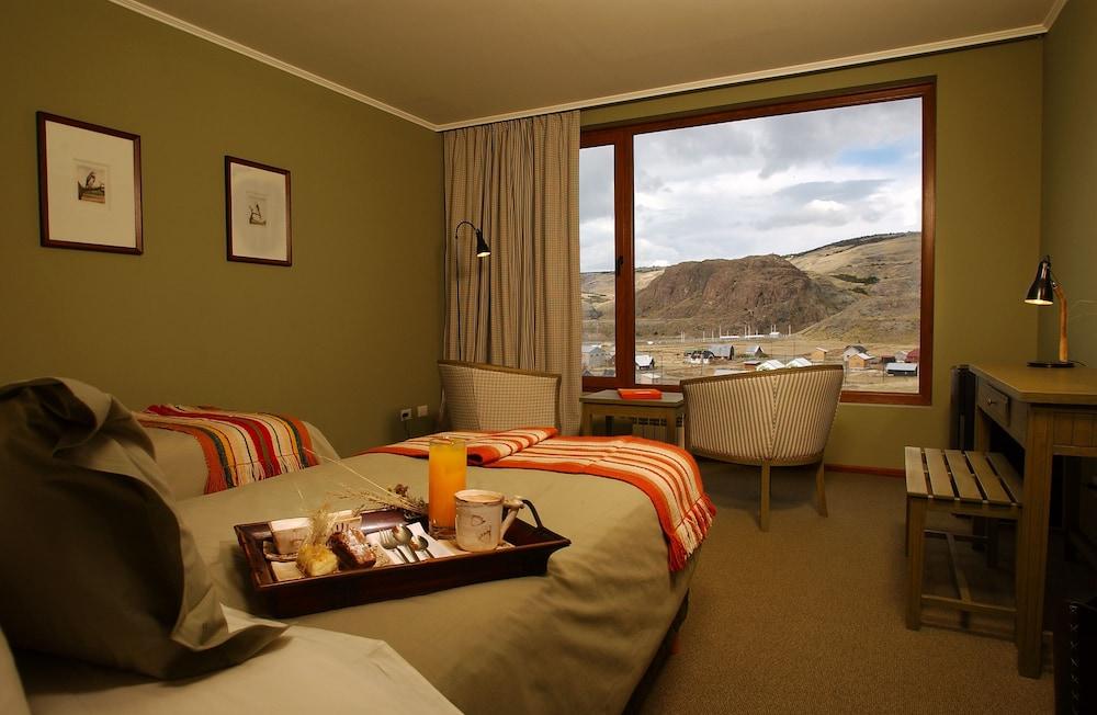 https://i.travelapi.com/hotels/3000000/3000000/2995200/2995124/fe0c6a2d_z.jpg
