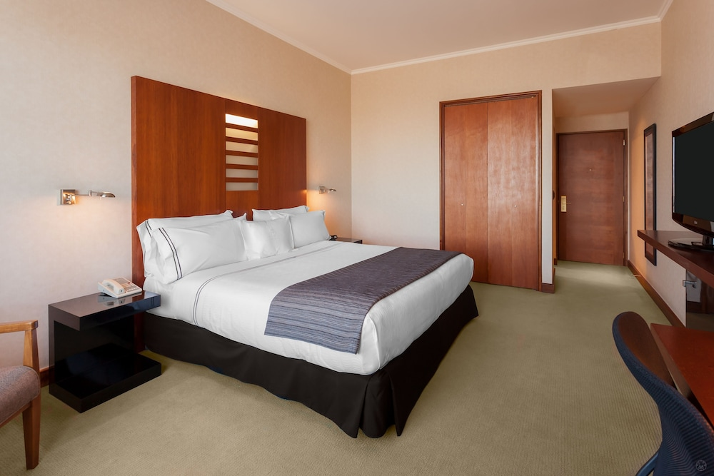 https://i.travelapi.com/hotels/3000000/3000000/2995400/2995362/97a1b14b_z.jpg