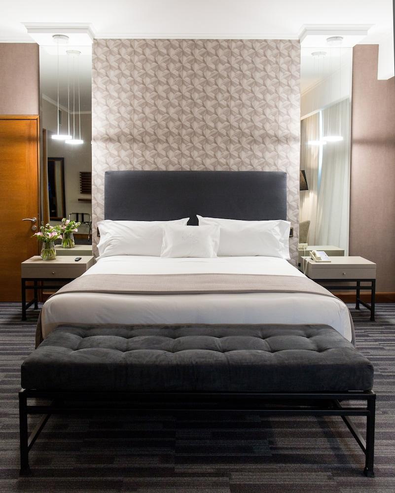 https://i.travelapi.com/hotels/3000000/3000000/2995400/2995362/cd747c55_z.jpg