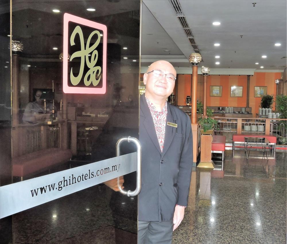 그랜드 컨티넨털, 쿠칭(Grand Continental,Kuching) Hotel Image 2 - Interior Entrance