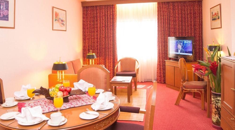 그랜드 컨티넨털, 쿠칭(Grand Continental,Kuching) Hotel Image 38 - Living Room