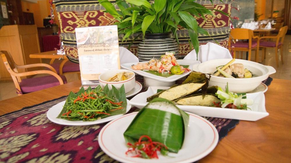 그랜드 컨티넨털, 쿠칭(Grand Continental,Kuching) Hotel Image 61 - Food and Drink