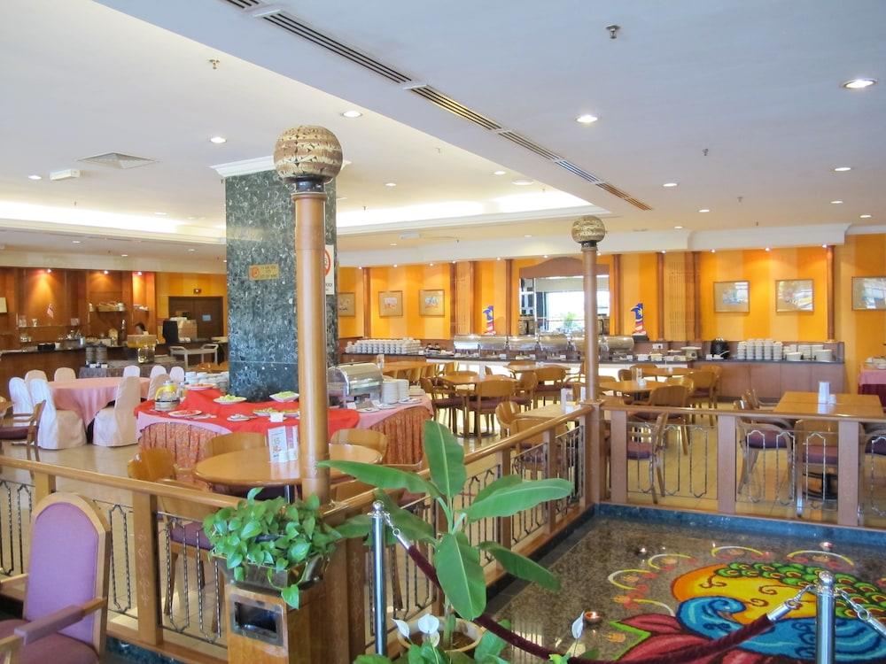 그랜드 컨티넨털, 쿠칭(Grand Continental,Kuching) Hotel Image 54 - Dining