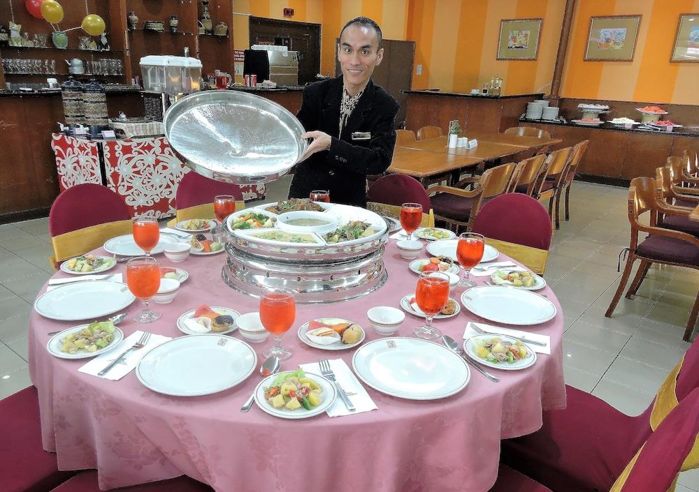 그랜드 컨티넨털, 쿠칭(Grand Continental,Kuching) Hotel Image 56 - Dining