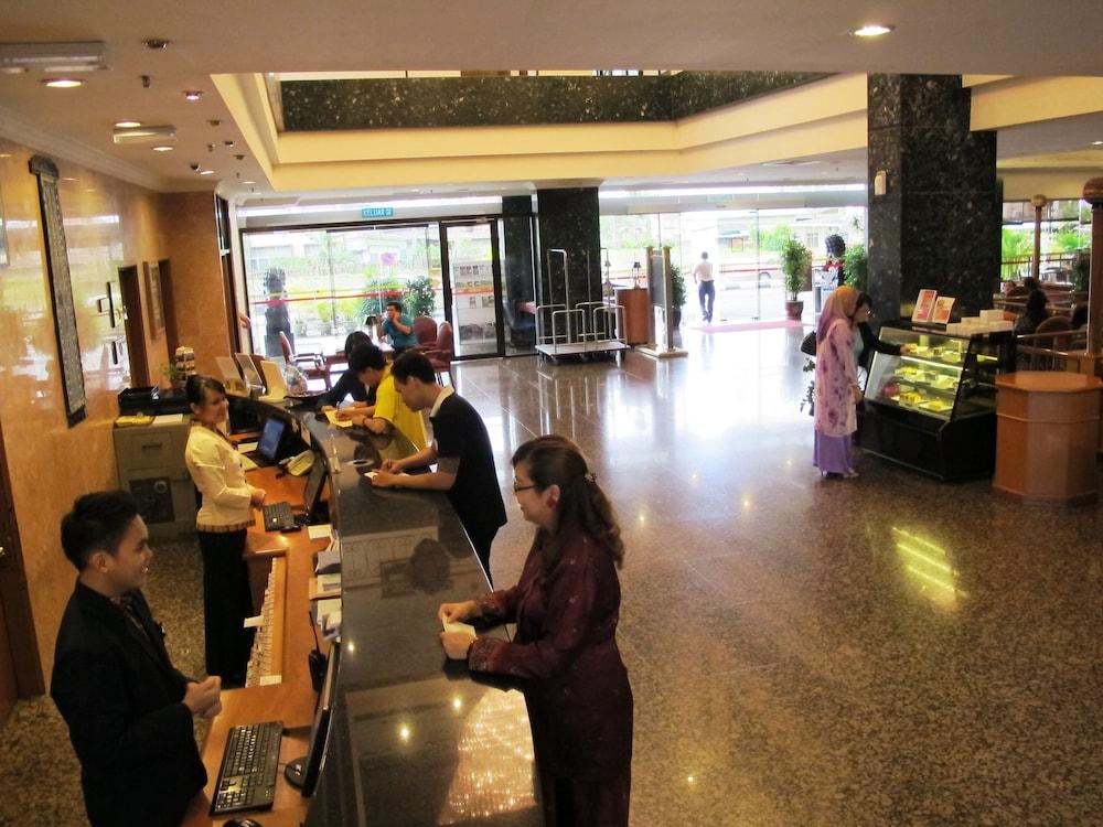 그랜드 컨티넨털, 쿠칭(Grand Continental,Kuching) Hotel Image 4 - Reception