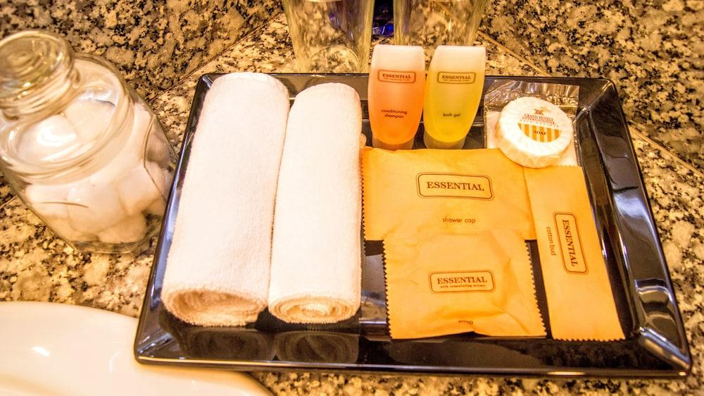 그랜드 컨티넨털, 쿠칭(Grand Continental,Kuching) Hotel Image 47 - Bathroom Amenities