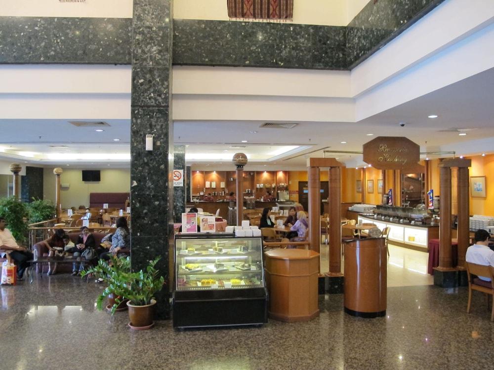 그랜드 컨티넨털, 쿠칭(Grand Continental,Kuching) Hotel Image 59 - Cafe