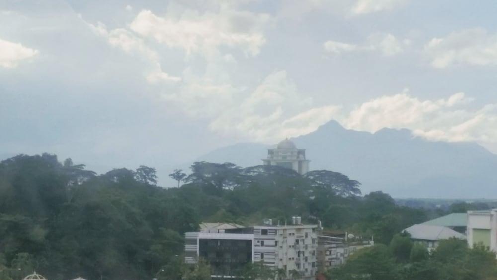 그랜드 컨티넨털, 쿠칭(Grand Continental,Kuching) Hotel Image 83 - Mountain View