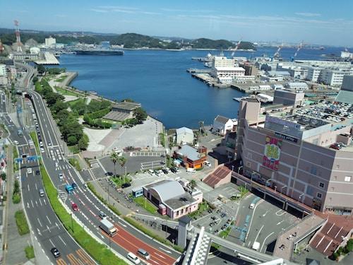 . Mercure Yokosuka