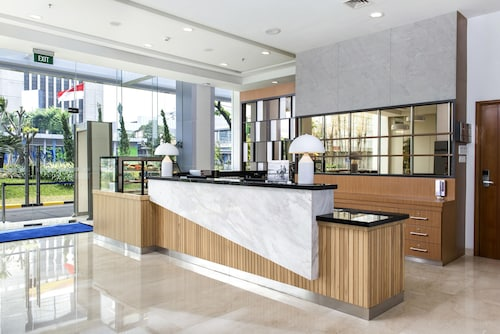 Holiday Inn Express Jakarta Matraman,Mall Tamini Square