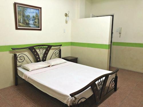 Praferosa Hotel, Calamba City