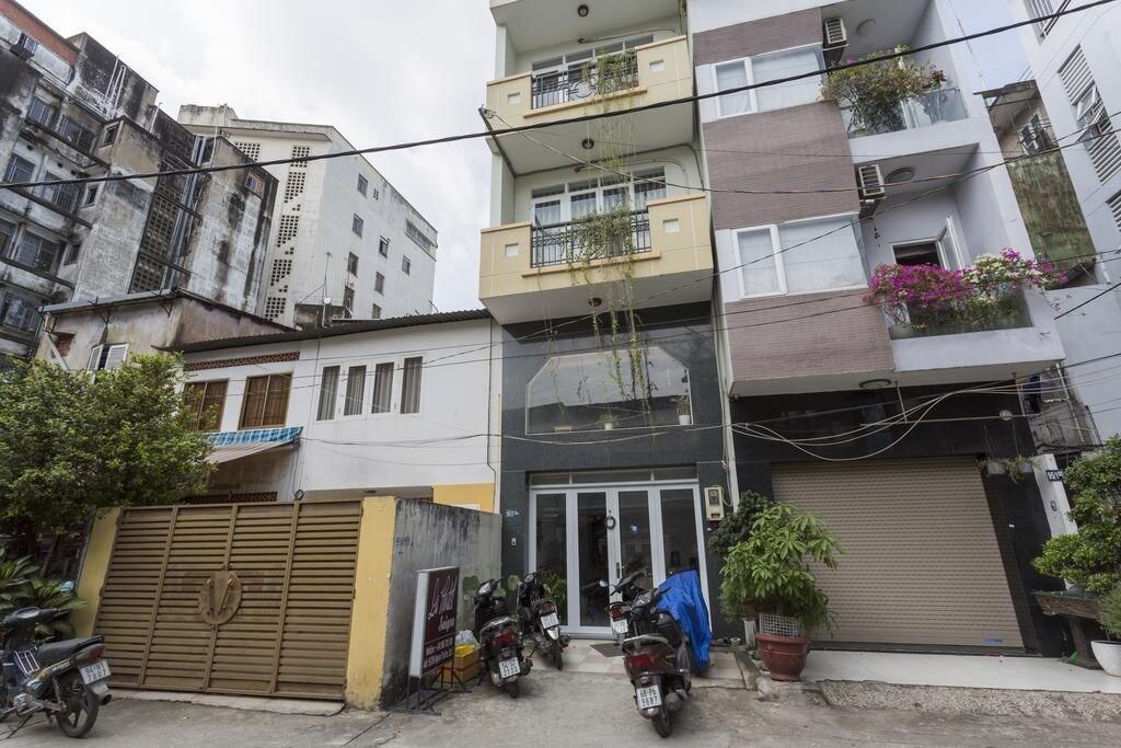 La Hostel Saigon, Quận 1