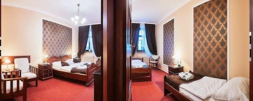 Hotel Baron Karczma Grodzka, Jelenia Góra City