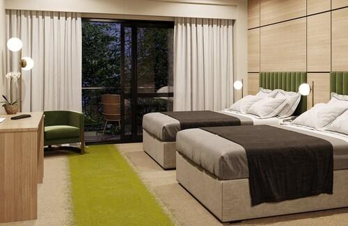Hidden Lake Hotel and Apartments, Waipa