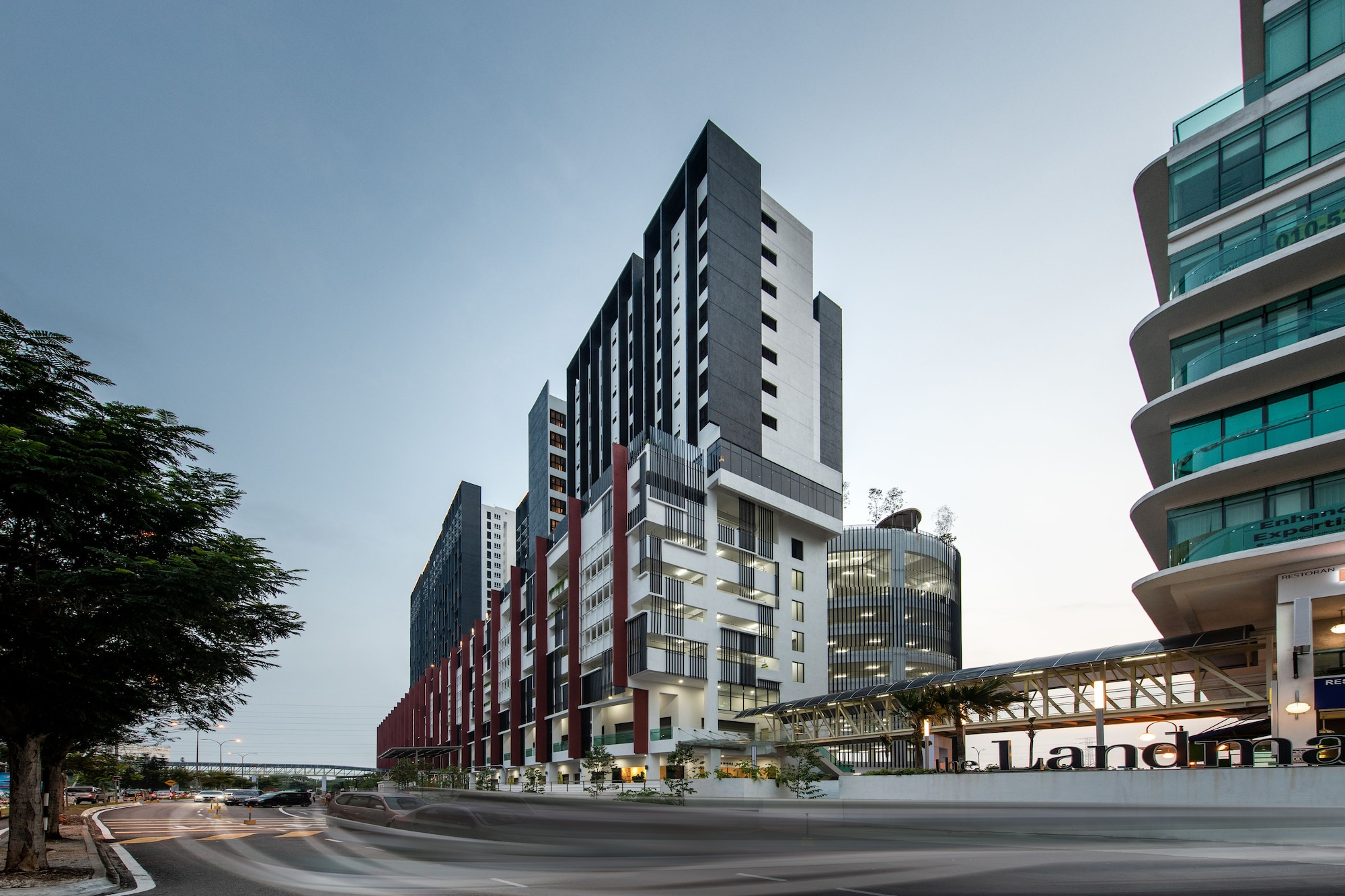 The Canvas Hotel, Klang