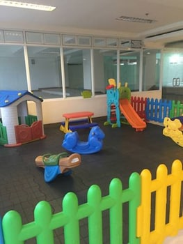 MARK'S CONDO AT TAGAYTAY PRIME Childrens Play Area - Indoor