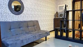 MARELLA SUITES CAMPVILLE ALABANG Living Room