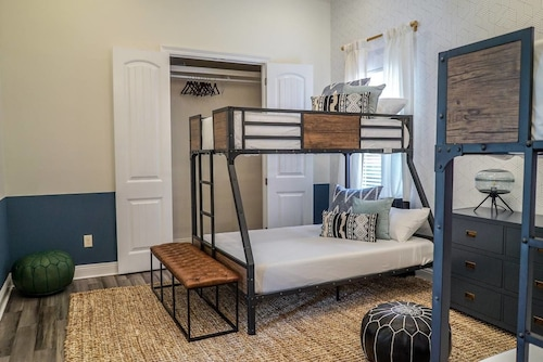 Charming 3br/2ba Home in Historic Treme by Domio, Orleans