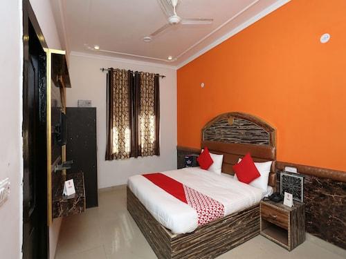 OYO 7812 Shree Radha Resort, Mathura