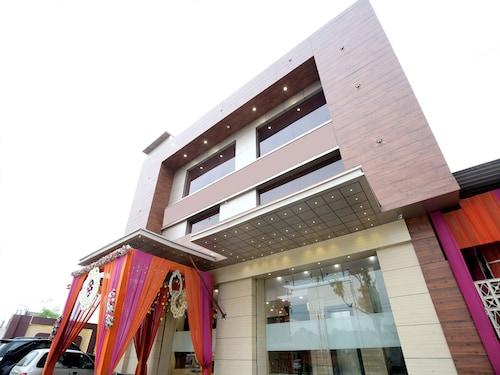 OYO 16827 Hotel Grand M Lajjo, Ludhiana