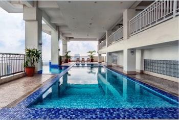 1 BEDROOM CONDO AT VIVALDI RESIDENCE Indoor Pool