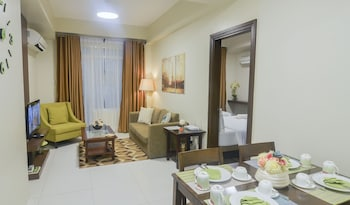 HOME SOLUTIONS IN PADGETT PLACE In-Room Dining