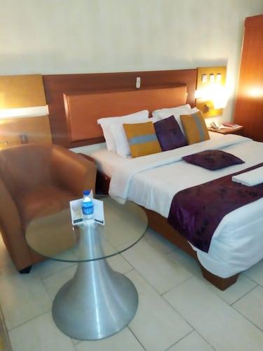 Golden Tulip Airport Hotel, Uvwie