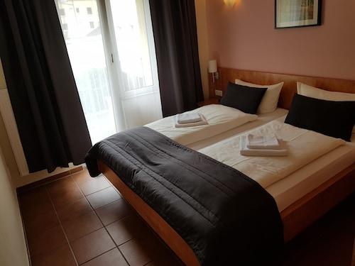 . Hotel Saint Denis Krefeld City
