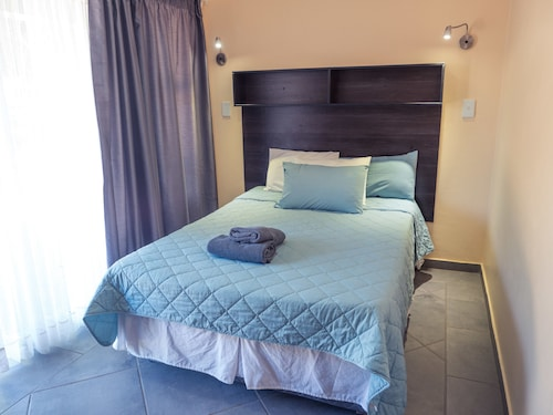 Hartbeespoort Holiday Resort, Bojanala