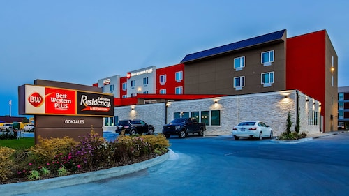 . Best Western Plus Executive Residency Ascension Hotel