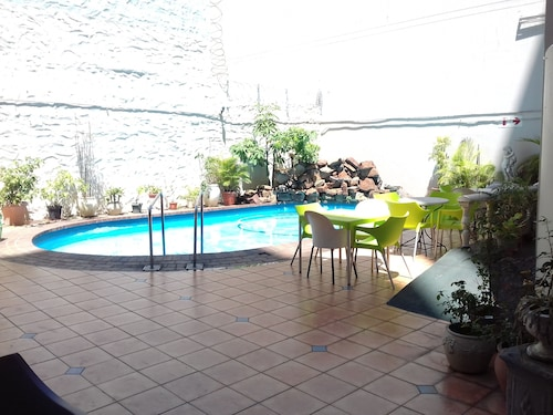 The Parkview Hotel - Luxurious Suite, eThekwini