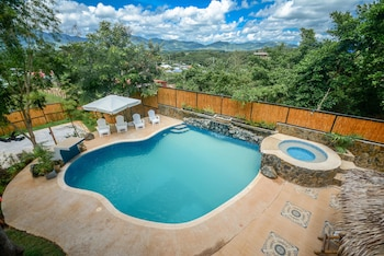 HILLTOP POOL AND VILLA View from Property