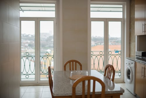 Belomonte River View Apartments, Porto