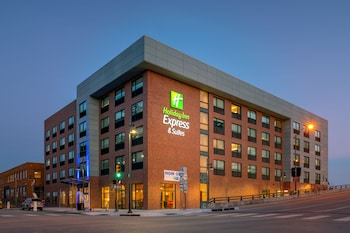 Holiday Inn Express & Suites Tulsa Downtown - Arts District