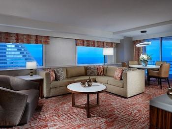 South Tower Apollo Ocean Suite