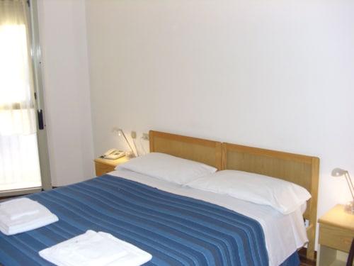 __{offers.Best_flights}__ Hotel Pitinum