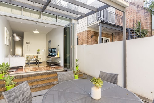 Modern House Close to Sydney Uni and Hospital, Marrickville