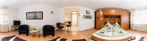 Apartmenthaus am Achteck, Darmstadt