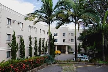 瓦爾任阿高檔飯店 Class Hotel Varginha